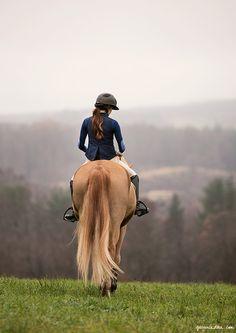 Practicar equitación.