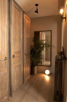 interior design by David Gaillard - neutral colors Vintage Doors, Indoor Doors, House Interior, Beautiful Interiors, Gorgeous Doors, House Rooms, French Doors Inside, Tuscan House, Home Decor