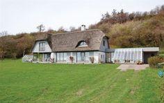 Dråby Strandvej 14, 8400 Ebeltoft - På betagende beliggenhed sælges nu dette unikke sommerhus #ebeltoft #fritidshus #boligsalg #selvsalg