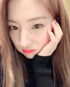 Yuehua Entertainment, Starship Entertainment, South Korean Girls, Korean Girl Groups, Chrissy Costanza, Bubblegum Pop, Cosmic Girls, Korean Singer, Kpop Girls