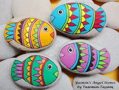 Hand Painted Stones Fish and Flower by StoneArtbyYasmin on Etsy Rock Painting Patterns, Rock Painting Ideas Easy, Rock Painting Designs, Painting For Kids, Paint Ideas, Painted Pavers, Painted Rocks Craft, Hand Painted Rocks, Painted Fish