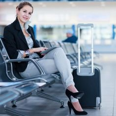 If you're planning on travelling, you better carefully read each airline's detailed allowances for bags and know the baggage fees to save on luggage.
