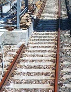 Der Bahn-Angestellte, der das hier für machbar hielt.   32 Leute, die sich nicht für Details interessieren