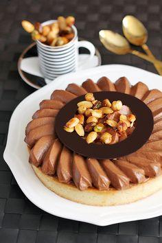 פיית העוגיות: הרמוניה איטלקית - טארט מוס שוקולד מריר, קרמל ואגוזים
