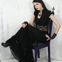 Sophistique Noir - Gothic Fashion for the Mature: Lots of Lace