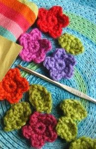 Teeny Tiny Flowers – Free Crochet Pattern