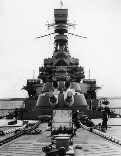 A & B turrets HMS Renown 1930