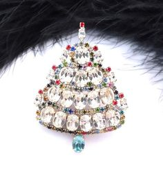 Czech Rhinestone Christmas Tree Pin #644 - Design by Jana, height: 2 4/10""