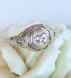 Antique Diamond and Filigree Art Deco Engagement Ring.