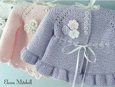 Knitting Pattern for Garter Stitch Baby JacketBaby cardigan knit in garter stitch with options for knit edging or crochet edging. Sizes 0 – 3 months and 3 – 6 months. Baby Cardigan, Baby Pullover, Crochet Cardigan, Knit Crochet, Crochet Hats, Booties Crochet, Crochet Ideas, Baby Knitting Patterns, Baby Patterns
