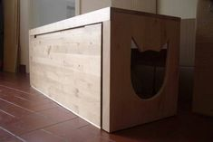 The Kitty Kitty Litter Box via an Ikea Hacker. love this idea Enclosed Litter Box, Hidden Litter Boxes, Litter Box Enclosure, Liter Box, Cat Liter, Creation Deco, Ikea Hackers, Pinterest Projects, Clever Design