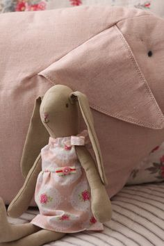 Subogati - lovely clothes for Maileg bunnies