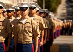One Hug and Parade Just Changed This Marine's Life For Good – Kickzer Marine Love, Once A Marine, Military Fade, The Few The Proud, Fleet Week, Marines Girlfriend, Us Marines, Military Veterans, Men In Uniform