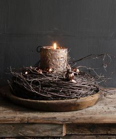 Wilgen krans I love this- its so simple . - Wilgen krans I love this- its so simple and beautiful – - Primitive Christmas, Rustic Christmas, Christmas Time, Christmas Wreaths, Christmas Crafts, Christmas Candles, Primitive Decor, Yule, Seasonal Decor