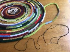 How to French Knit a Rug - knitting is as easy as 3 knitting is . How to French Knit a Rug – knitting is as easy as 3 Knitting comes down to three essential Spool Knitting, Knitting Blogs, Knitting For Beginners, Knitting Projects, Knitting Patterns, Knit Rug, Knit Crochet, Knitted Bags, Knitted Blankets