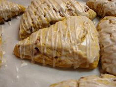 Make lemonade and more!: Pumpkin Scones with Cinnamon Chips Cinnamon Chip Scones, Pumpkin Scones, Cinnamon Chips, Pumpkin Recipes, Fall Recipes, Sweet Bread, Food For Thought, Breakfast Recipes, Breakfast Ideas