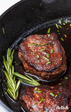 Filet mignon should be seasoned before it hits the pan. To avoid possible bleeding, the filet mignon should be well-tempered before cooking. Whether you choose to cook your steak in butter or olive… Grilling Recipes, Beef Recipes, Cooking Recipes, Filet Recipes, Filet Minon Recipes, Vegetarian Grilling, Cooking Rice, Cooking Steak, Healthy Grilling