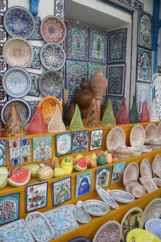 Tunisian pottery- would love to own a piece or two. hope someone knows wherw to buy. ♡