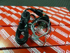 genuine toyota landcruiser fj40 12v inspection lamp fj45 hj47 bj42 bj40 hj45 - Categoria: Avisos Clasificados Gratis  Item Condition: NewInspection lamp Genuine Toyota FJ40 FJ45 HJ45 HJ47 BJ40 BJ42 will suit all 40 series landcruisers! This lamp and lead is BRAND NEW OLD STOCK NOS from toyota Japan OEM Original Equipment Manufacturer They are NOT cheap ass Taiwanese copies This is a direct replacement for you existing lamp if you even have one lol This lead and lamp suits many many other…