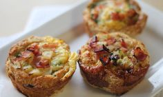 Recipe for Make Ahead Mini Ham and Spinach Breakfast Pies - they're like individual breakfast casserole. Eggs, Ham, Spinach, Red Peppers, and Cheese make this a delicious and easy breakfast or brunch recipe this holiday season. Pastas Recipes, Pie Recipes, Cooking Recipes, Bisquick Recipes, Breakfast Pie, Breakfast Recipes, Breakfast Casserole, Breakfast Ideas, Toddler Dinner Recipes