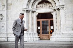 Attolini is a synonym of Naples' tailoring tradition all around the world. Since 1930 exclusive elegance and uncompromised expression of quality.