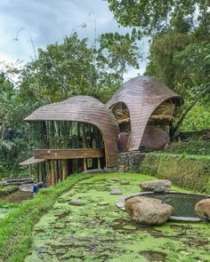 Bamboo Architecture, Tropical Architecture, Sustainable Architecture, Residential Architecture, Amazing Architecture, Architecture Design, Contemporary Architecture, Hut House, Dome House
