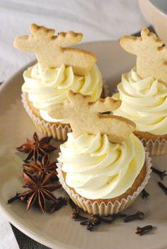 Wärmende Herbst- und Winter-Wonnen: Spekulatius-Cupcakes mit weißer Schoko-Buttercreme                                                                                                                                                                                 Mehr