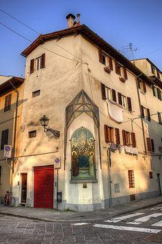 Firenze, piazza Tasso, tabernacolo, San Frediano,
