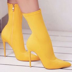 'Fiona' Pointed Toe Ankle Boots Source by yournextshoes shoes Heeled Boots, Bootie Boots, Shoe Boots, Ankle Boots, Mode Shoes, Women's Shoes, Ego Shoes, Shoes Style, Stilettos