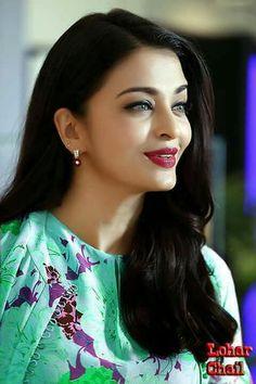 Aishwarya Rai Makeup, Actress Aishwarya Rai, Aishwarya Rai Bachchan, Bollywood Actress, Bollywood Makeup, Girl Celebrities, Indian Celebrities, World Most Beautiful Woman, Gorgeous Women