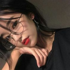 // ulzzang girl uploaded by nad. on We Heart It Ulzzang Korean Girl, Cute Korean Girl, Cute Asian Girls, Korean Beauty, Asian Beauty, Korean Glasses, Ulzzang Glasses, Uzzlang Girl, Girl Hair