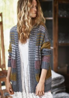 Striped jacket, knitted in Silk Mohair and Tweed / Sandnes Garn* Cardigan Design, Cardigan Pattern, Crochet Cardigan, Sweater Cardigan, Knit Crochet, Striped Jacket, Striped Cardigan, Striped Sweaters, Pullover Mode