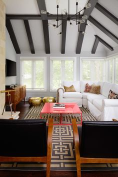 Bold and Patterned Family Home in Chicago: http://www.stylemepretty.com/living/2015/10/23/bold-and-patterned-family-home-in-chicago/ | Photography: Dustin Halleck - http://www.dustinhalleck.com/