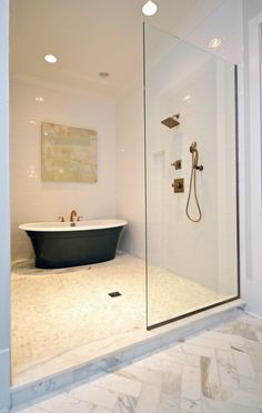 Freestanding Tub inside of the shower. casiewebbdesigns Ketteringham Builders
