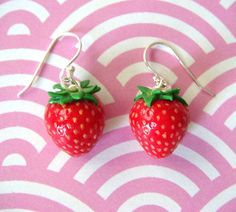strawberry earrings. summer!