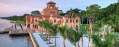 Sarasota Waterfront Outdoor Wedding Venue | Ringling Museum | Accommodates groups from 4-400