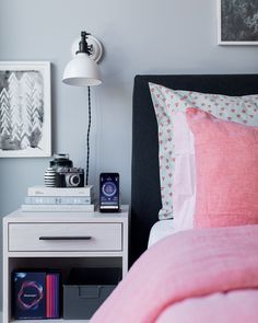 Decorating A Bedroom For A Great Night's Sleep - So, I'm delighted to team up with the folks behind the Beautyrest Sleeptracker monitor today to share some decorating, life and technology tips that I've found conducive in helping to achieve a more restful environment that encourages better sleep. Let's get started below!