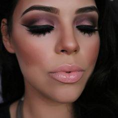 Gorgeous smoky eye, pale pink lip