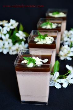 Panna Cotta with Chocolate and Coffee is a perfect dessert for the summer because is prepared quickly and easily. (in Romanian) Baby Food Recipes, Cake Recipes, Dessert Recipes, Cooking Recipes, Panna Cotta, Dessert In A Jar, Romanian Food, Creme Brulee, Trifle