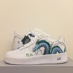 Discover recipes, home ideas, style inspiration and other ideas to try. Custom Painted Shoes, Custom Shoes, Narrow Shoes, Nike Shoes Air Force, Aesthetic Shoes, Hype Shoes, Painted Clothes, Mode Streetwear, Custom Sneakers