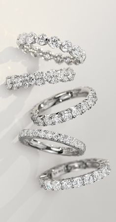 You pulled off the proposal. Now it's time to set your sights on the perfect wedding ring!