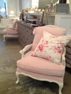 Rachel Ashwell Shabby Chic Couture - Lovely pink chair