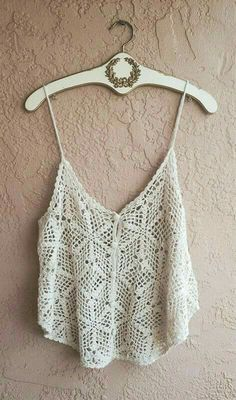 Bikini Crochet, Crochet Crop Top, Knitted Tank Top, Knit Crochet, Crochet Clothes, Diy Clothes, Motif Bikini, Teen Crop Tops, Outfits For Teens