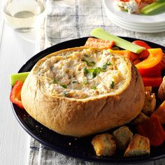 Baked Crab Dip Best Christmas Appetizers, Thanksgiving Appetizers, Thanksgiving Recipes, Christmas Snacks, Thanksgiving 2020, Christmas Cooking, Christmas Recipes, Holiday Recipes, Holiday Snacks
