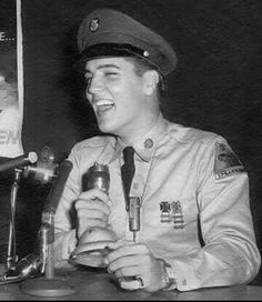 Elvis - Army press conference