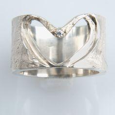 #trouwringen Heart Ring, Rings, Jewelry, Jewlery, Jewerly, Ring, Schmuck, Heart Rings, Jewelry Rings