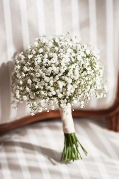 Fresh and delicate Baby's breath filling the most delightful wedding bouquet! Small Wedding Bouquets, Diy Wedding Flowers, Bridal Flowers, Flower Bouquet Wedding, Gypsophila Bouquet, Gypsophila Wedding, Bridesmaid Bouquet White, Babys Breath Flowers, Flower Girl Bouquet