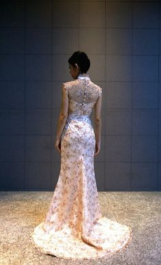 modern take on chinese wedding dress called cheongsam Wedding Prep, Dream Wedding, Cute Wedding Ideas, Cheongsam, Ao Dai, Ever After, Formal Dresses, Wedding Dresses, Glamour