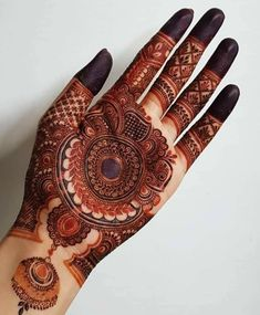 Henna Tattoo Designs Simple, Back Hand Mehndi Designs, Latest Bridal Mehndi Designs, Full Hand Mehndi Designs, Stylish Mehndi Designs, Mehndi Designs For Girls, Mehndi Designs For Beginners, Mehndi Design Photos, Wedding Mehndi Designs