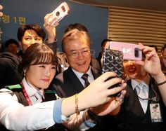 South Korea's new president draws ire of small businesses he's vowed to help South Korea News, Photo Viewer, New President, Vows, Presidents, Small Businesses, Small Business Resources